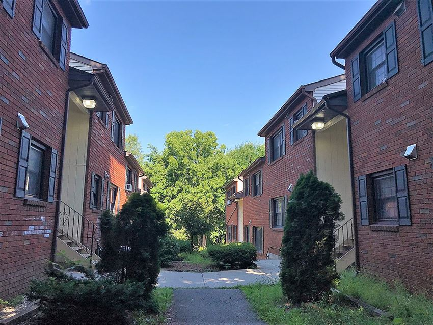 2 Bed - 77 11th Street