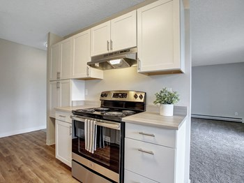 12601 SE River Road Studio-3 Beds Apartment for Rent Photo Gallery 1