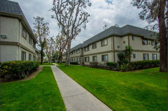 Sierra Gardens Apartments 16787 Miller Ave Fontana Ca