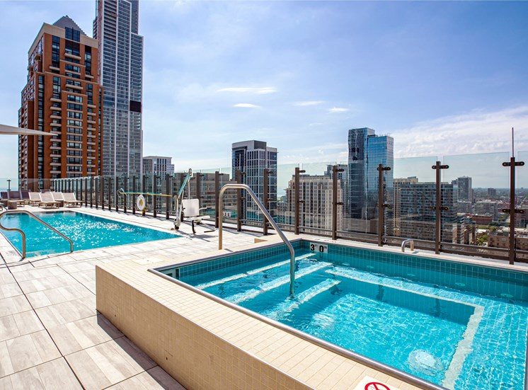 Rooftop sundeck with pool and hot tub at Eleven40, Chicago