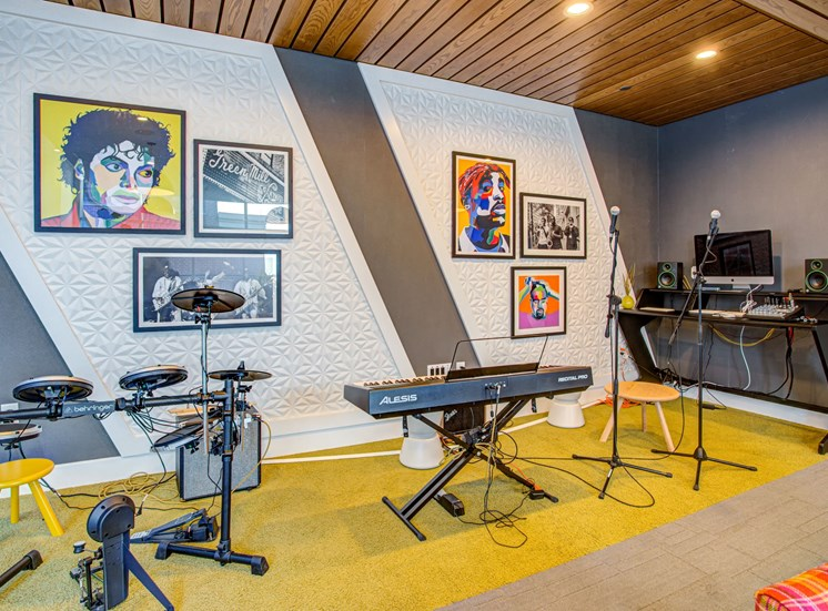 Entertainment jam room with musical instruments and recording equipment at Eleven40, Illinois