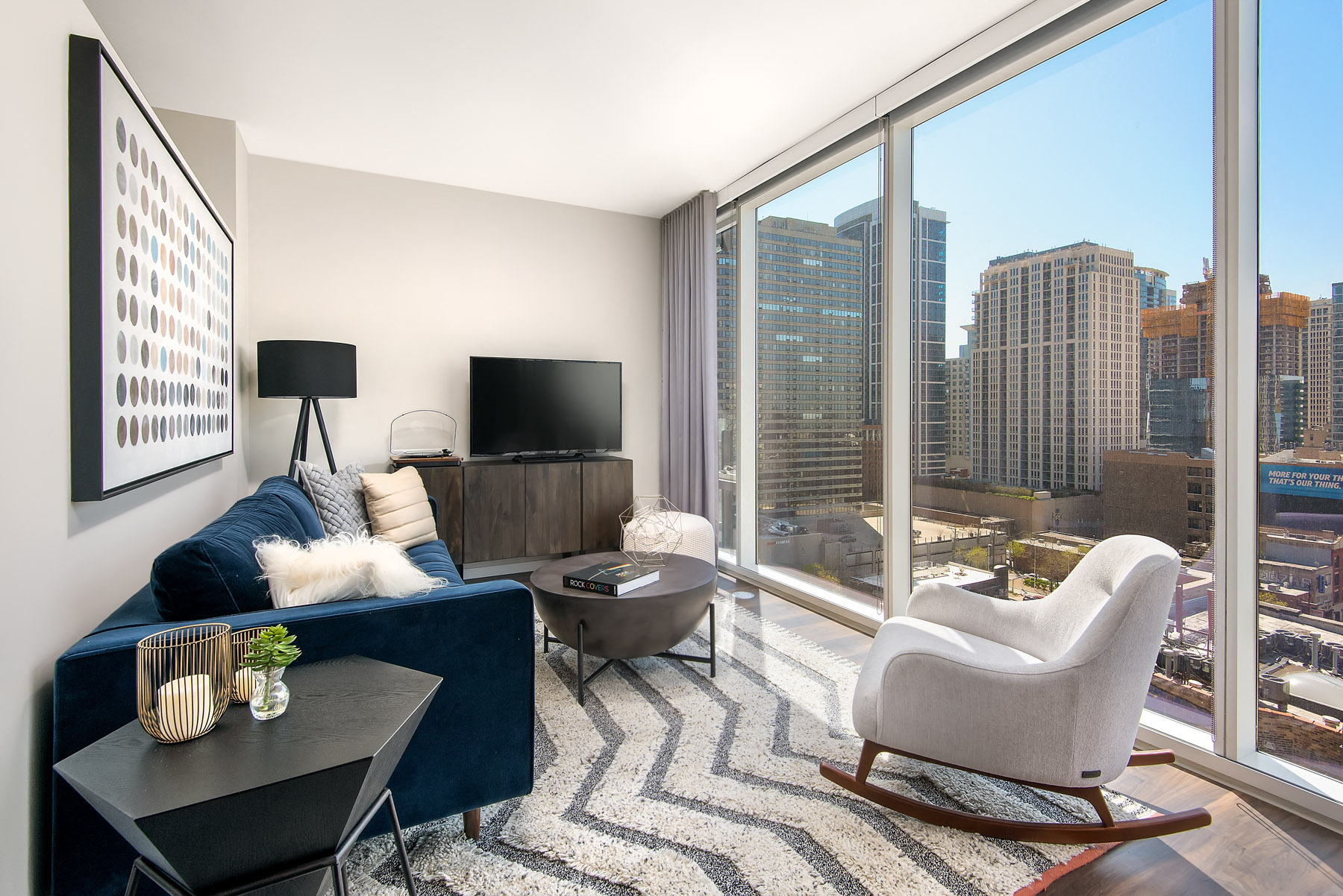 Classic Living Room Design With Television at Eleven40, Chicago, 60605