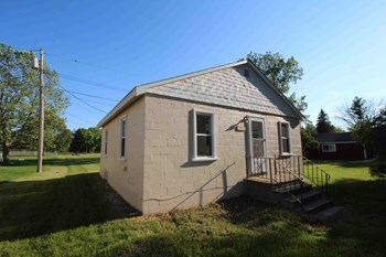 1650 School Road 2 Beds House for Rent Photo Gallery 1