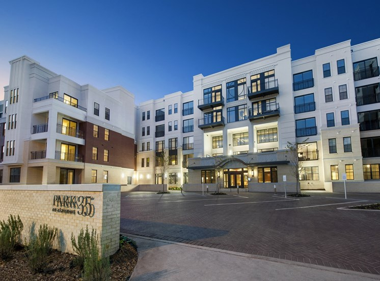 Super Modern Building Exterior with Gorgeous Courtyard and Pool or Golf Club Views. On Site Parking Garage at Park 35 on Clairmont Apartment Homes, 3500 Clairmont Ave. Birmingham, AL 35222