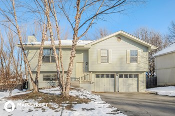 2112 NE Cookson St 3 Beds House for Rent Photo Gallery 1