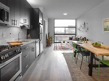 2211 N Milwaukee Ave Studio-2 Beds Apartment for Rent Photo Gallery 1