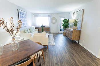 7450 Highway 7 3 Beds Apartment for Rent Photo Gallery 1