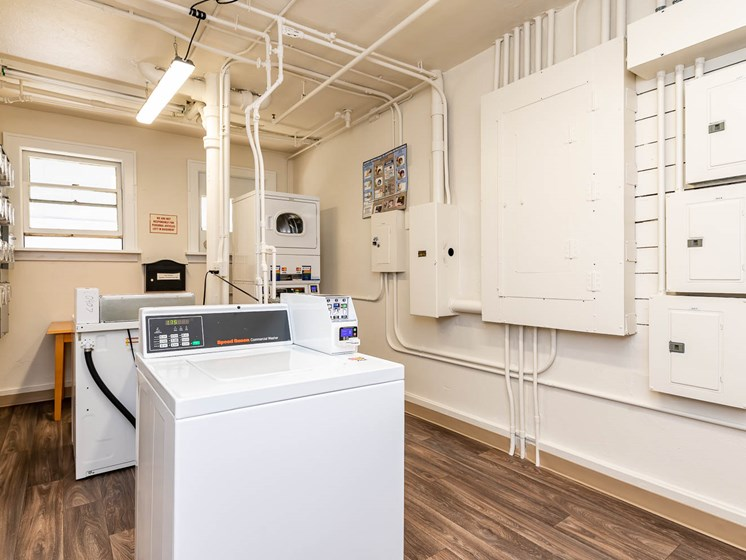 Palladian Apartments | Laundry Room