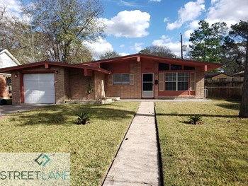 10334 Royal Oaks Dr 3 Beds House for Rent Photo Gallery 1
