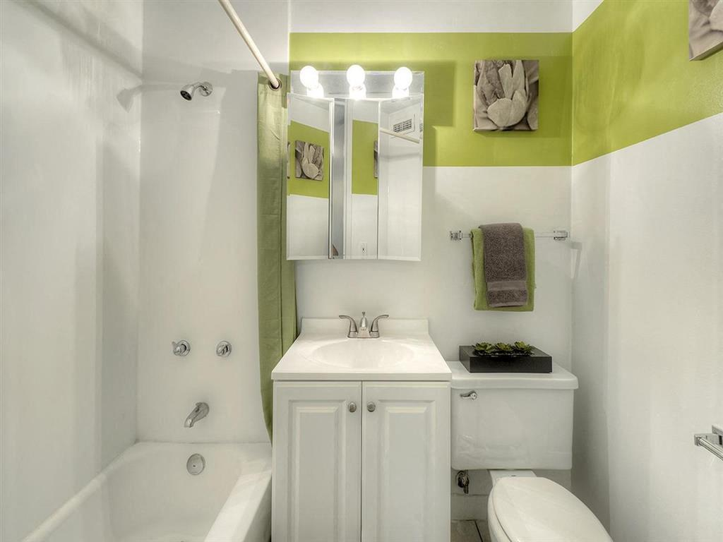 Modern fitting in bathrooms, at Prairie Shores, Illinois