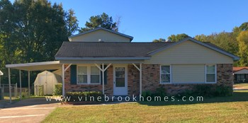 949 W Raines Rd 4 Beds House for Rent Photo Gallery 1