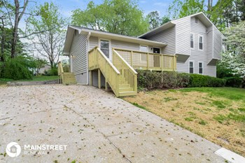 949 FALCONCREST DR 4 Beds House for Rent Photo Gallery 1