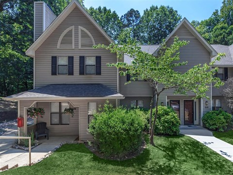 Stunning View Of The Property at Edwards Mill Townhomes & Apartments, Raleigh, NC, 27612