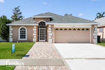 1127 Aviary Rd 4 Beds House for Rent Photo Gallery 1