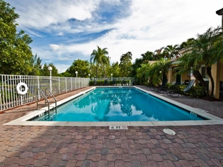 outdoor pool and pool area_Prospect Park Apartments Ft. Lauderdale, FL