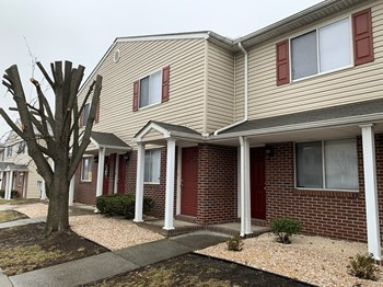 881 Meadowbrook Lane Studio-3 Beds Apartment for Rent Photo Gallery 1