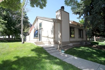 7938 W 90Th Ave 3 Beds Townhouse for Rent Photo Gallery 1