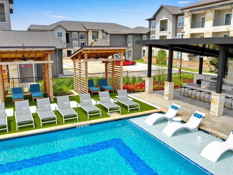 altair-tech-ridge-luxury-apartments-pool-4