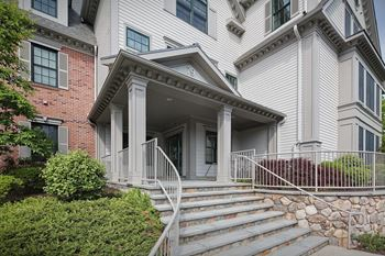 79 Noble Avenue 2 Beds Apartment for Rent Photo Gallery 1