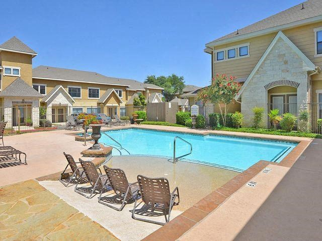 san antonio apartments with a swimming pool