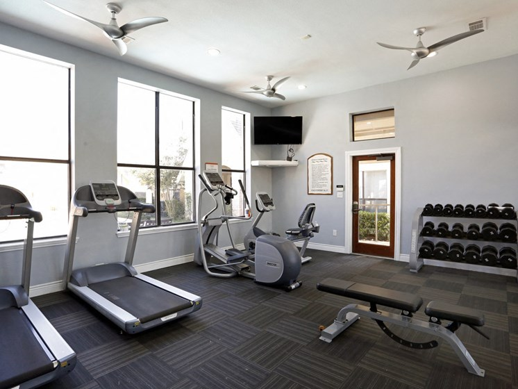 san antonio apartments with a gym