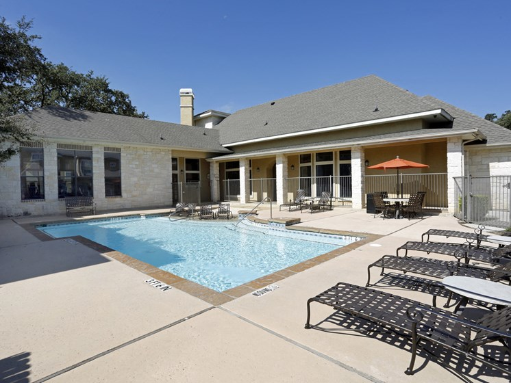 san antonio tx townhomes with a pool