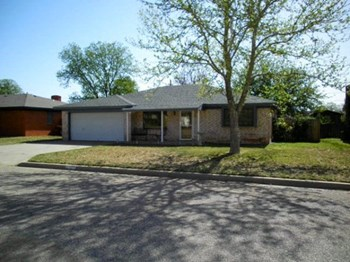 4110 Jacksboro Avenue 3 Beds House for Rent Photo Gallery 1