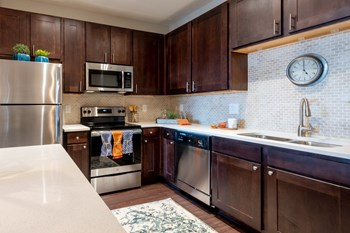 6450 Viewpoint Circle 1-3 Beds Apartment for Rent Photo Gallery 1
