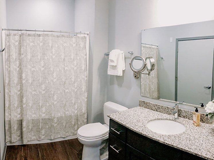Modern Bathroom Fittings at The Ivy at Berlin Place, South Bend, 46601