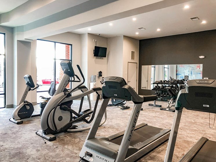 24-Hour Gym at The Ivy at Berlin Place, South Bend, IN, 46601