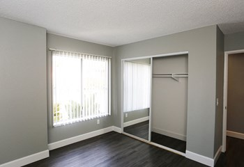533 North Mariposa Avenue 1-2 Beds Apartment for Rent Photo Gallery 1