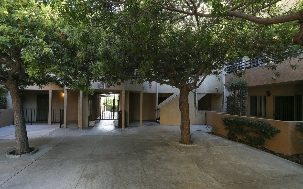 Mariposa Gardens Apartments Courtyard and Trees