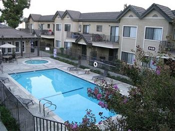 340 West Duarte Road 1-2 Beds Apartment for Rent Photo Gallery 1