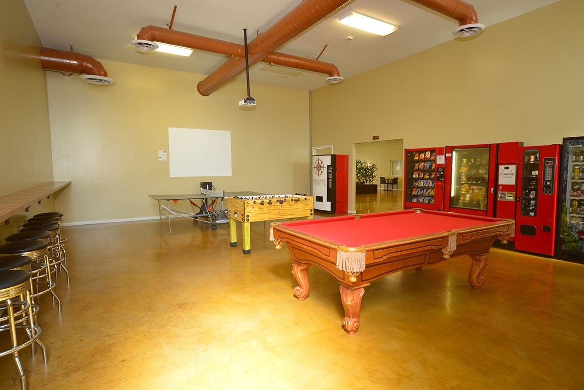 Meridian Pointe Apartments Game Room Pool Table