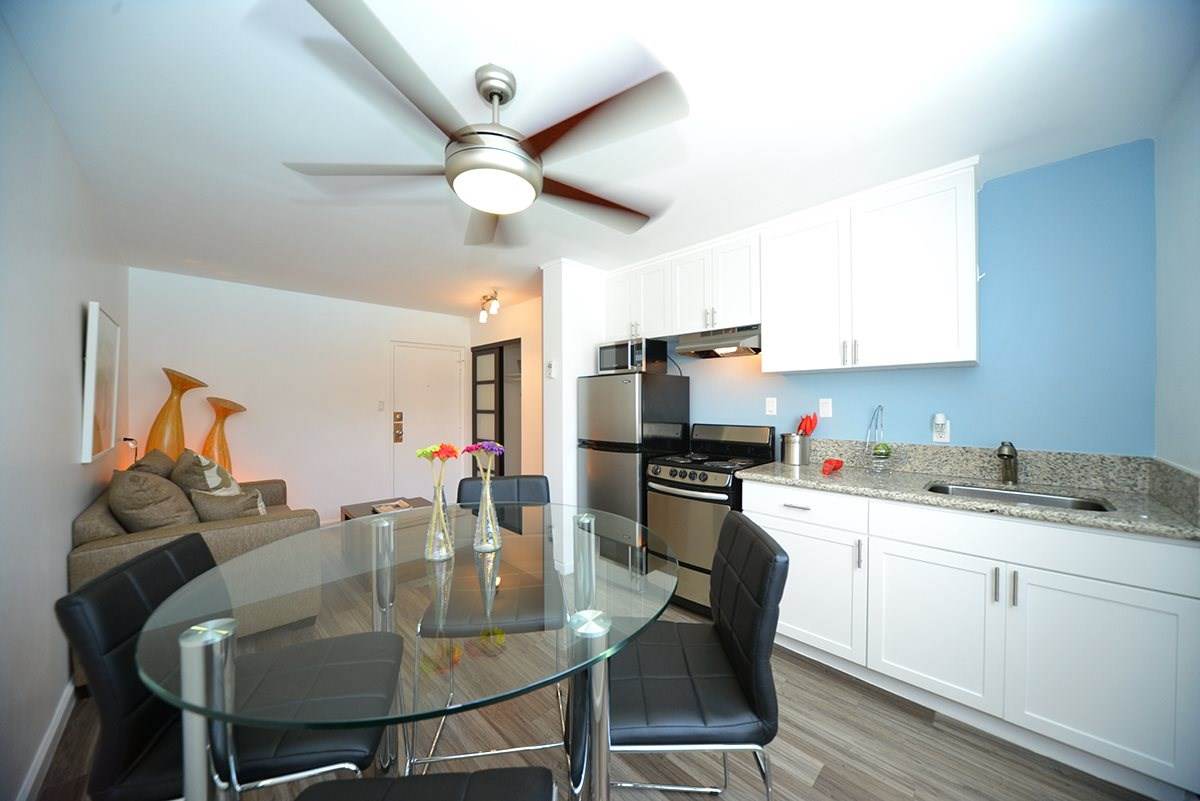 Meridian Pointe Apartments Magellan Model Kitchen and Dining Room Table