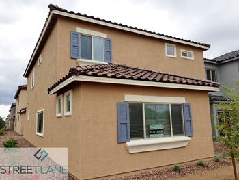 1725 W Pollack St 4 Beds House for Rent Photo Gallery 1