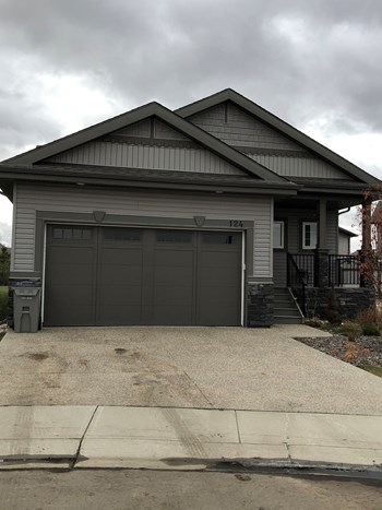#124, 50 Heatherglen Drive 3 Beds House for Rent Photo Gallery 1