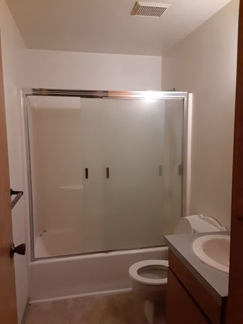 181 Robbins Ave 2 Beds Apartment for Rent Photo Gallery 1
