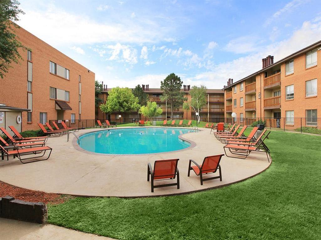 pool & pool deck wide angle