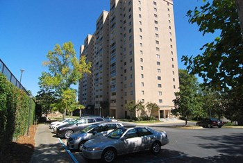 1825 St Julian Place Unit 7D 2 Beds Apartment for Rent Photo Gallery 1