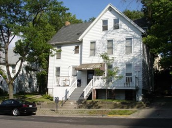 209 East Mifflin Street Studio Apartment for Rent Photo Gallery 1