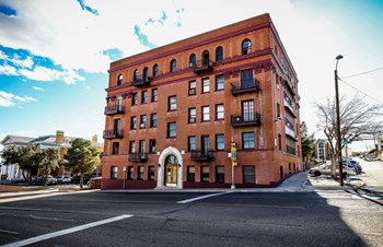 1217 N. Mesa Street 1-2 Beds Apartment for Rent Photo Gallery 1