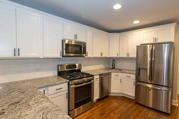 3001 Hudson Street 1-2 Beds Apartment for Rent Photo Gallery 1