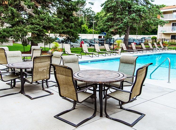 The Pines of Burnsville - Outdoor Pool
