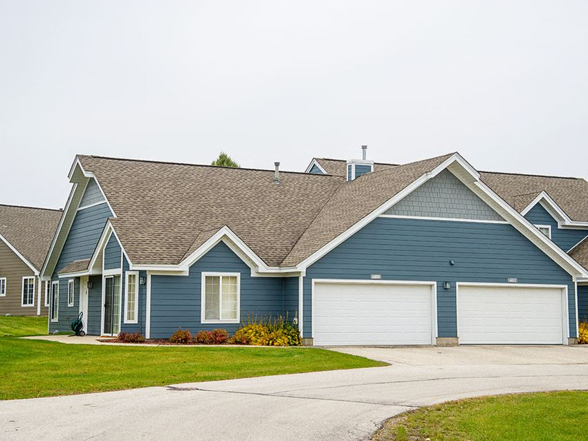 Mequon Trail Townhomes - Exterior
