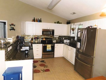 313 Commons Court 3 Beds House for Rent Photo Gallery 1