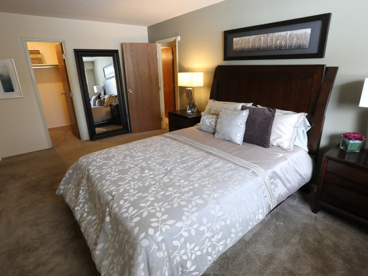 Large Comfortable Bedrooms With Closet at Willowood Apartments, Eastlake, OH, 44095