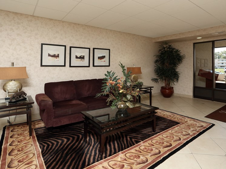 Picturesque Lobby Area at Stone Pointe Apartments, Ohio, 44094