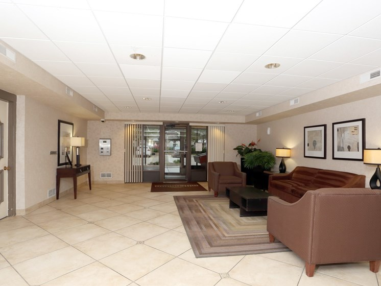 Spacious Lobby at Ridgewood Park Apartments, Ohio