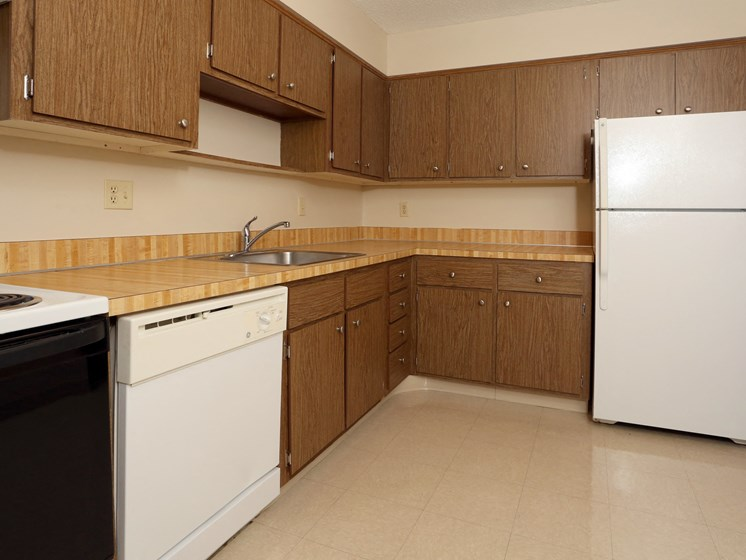 All Electric Kitchen at Ridgewood Park Apartments, Parma Heights, OH